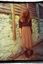 bronze midi Primark dress - black Clarks boots