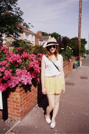panama Gap hat - vintage bag - H&M shorts - H&M sunglasses - whistles t-shirt -