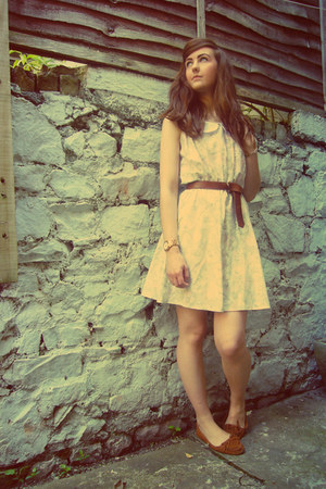 eggshell vintage dress - tawny moccasins Primark flats