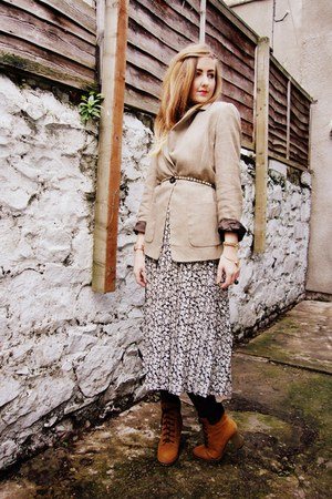 dark khaki vintage dress - tawny elite boots - tawny Hobbs jacket