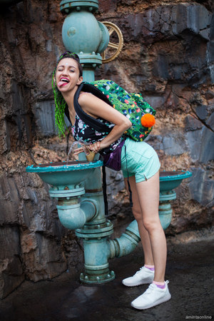 green backpack Eastpak bag - aquamarine American Apparel shorts
