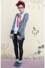 Aquamarine-el-corte-ingles-socks-black-pull-bear-pants-hot-pink-vintage-acce
