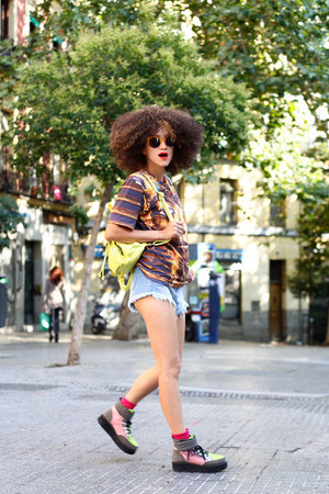 mustard Mr Gugu and Ms Go t-shirt - bubble gum asos boots
