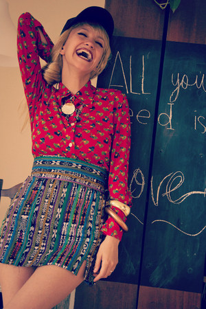 camel Thallo necklace - red vintage shirt - navy DIY skirt