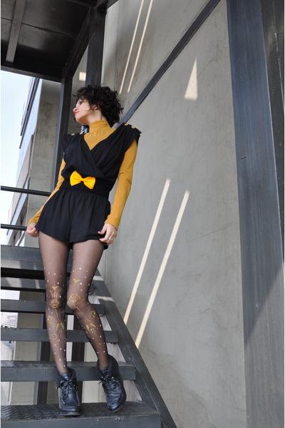 yellow MOTIVOS tie - black Area Code jumper - mustard gift blouse - dark gray DI