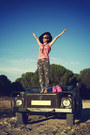 Army-green-firmoo-sunglasses-bubble-gum-lu-ink-t-shirt-hot-pink-asos-wedges