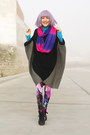 Hot-pink-romwecom-leggings-black-poncho-now-i-style-cape