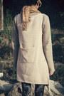 Beige-romwe-vest-navy-now-i-style-leggings-beige-cinderella-sneakers