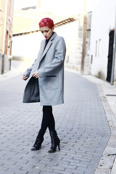 heather gray Now I Style coat - black lovely pepa for krack boots