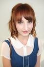 Blue-bauhaus-dress-white-coo-ca-choo-shirt-black-second-hand-belt-brown-ph