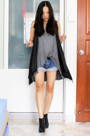 gray thrifted cardigan - gray cotton on top - blue gmarket shorts - black gmarke