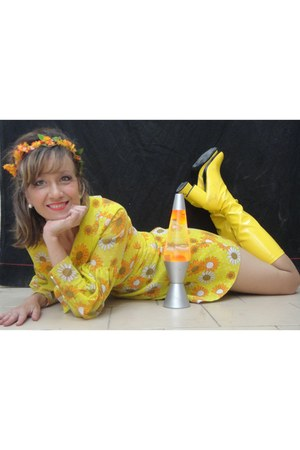 yellow boots - dress - accessories
