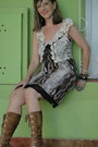 Vest-boots-animal-print-dress