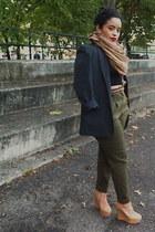 black thrifted vintage blazer - light brown H&M scarf