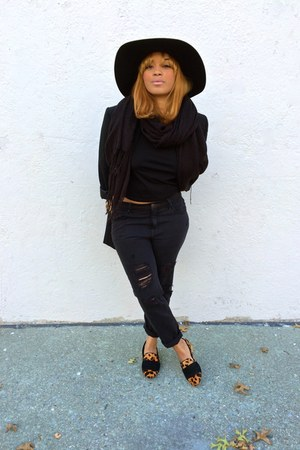 black boyfriend jeans Urban Outfitters jeans - black crop top H&M top