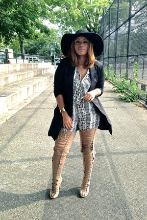 nude tony bianco boots - black Nasty Gal blazer - white thrifted vintage jumper