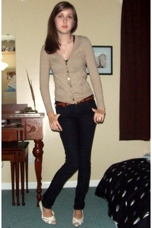 sweater - lifestride shoes - Forever 21 jeans - top