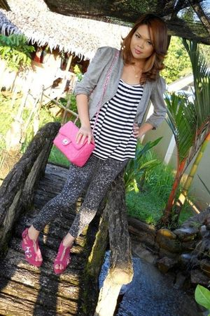pink purse - pink shoes - white cotton on - gray cotton on - gray
