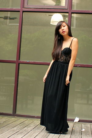 black Forever 21 intimate - black shoes - black dress