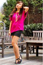 pink Uniqlo top - black Bershka skirt - black FICCE shoes - gold vintage necklac