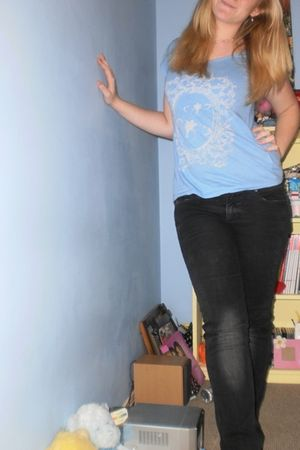 blue Miss Shop t-shirt - black Jeans West jeans - pink Pearls for June necklace 