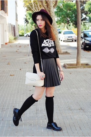 Pimkie hat - Pull & Bear shoes - Calzedonia tights