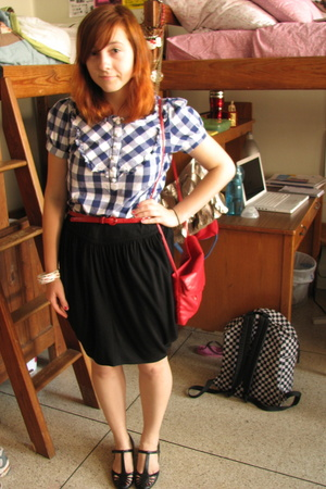 Forever21 shirt - Urban Outfitters skirt - Urban Outfitters shoes - vintage purs