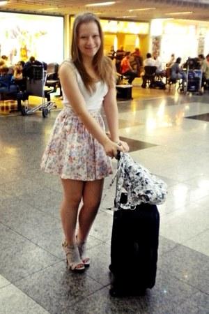 beige heels - floral skirt