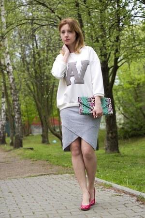 asymmetrical cropp skirt - snakeskin print H&M bag - pull&bear sweatshirt