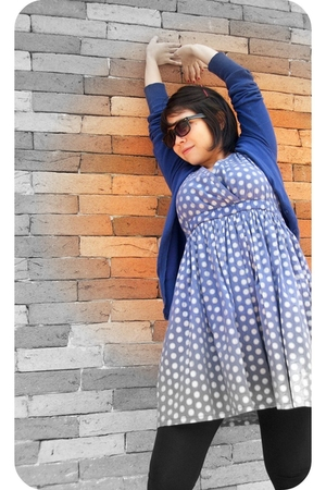 blue polka dot amichi dress - blue Bershka sweater - black Zara leggings