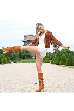 tawny Rich&Famous boots - tawny Bershka jacket - ivory H&M romper