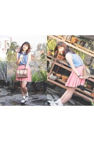 light brown unbranded bag - pink unbranded skirt