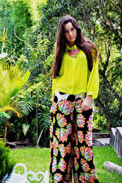 Exotic blouse - Zara pants - Kiss necklace