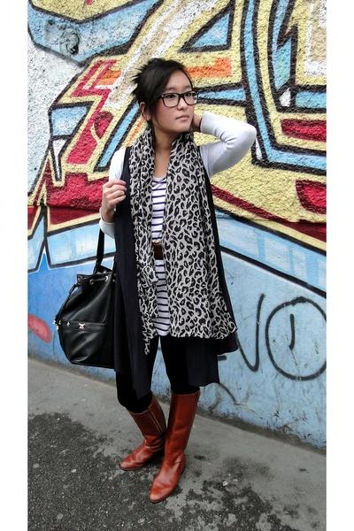 H&M t-shirt - Zara vest - H&M scarf - vintage boots - vintage belt