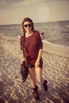leather Zara boots - Guess shorts - black Chloe sunglasses