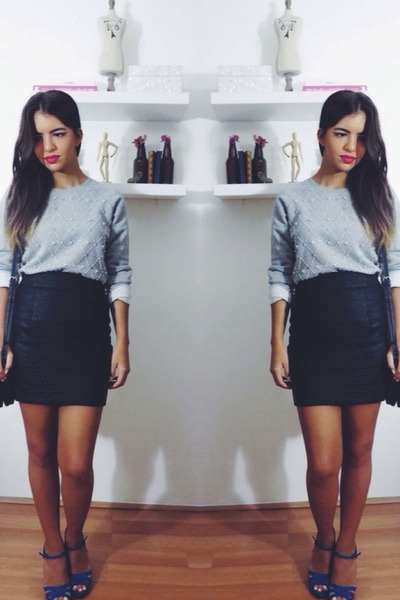 heather gray embellished Forever 21 sweatshirt - black leather Zara skirt