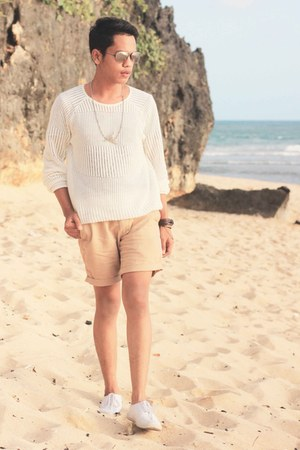 H&M shoes - shop island sweater - giordano shorts