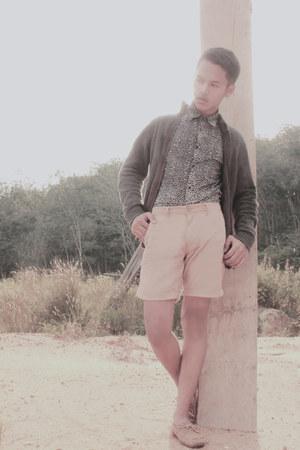 H&M shirt - giordano panties - H&M loafers - wood cardigan