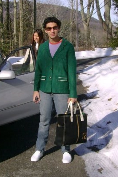 Ray Ban sunglasses - vintage sweater - Oz t-shirt - Hering jeans - Diane Von Fur