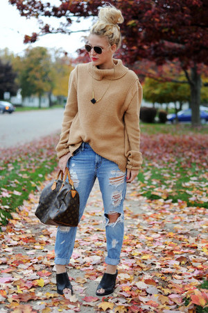 sweater - shoes - BDG jeans - Louis Vuitton bag - Black Crystals necklace