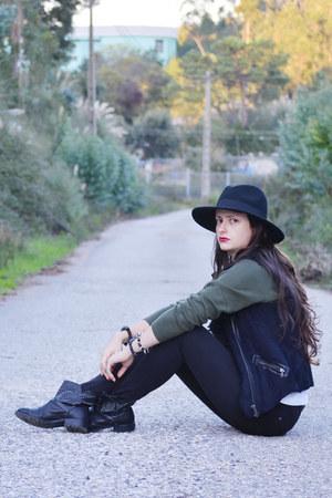 black Bershka boots - black Bershka vest - black Primark pants