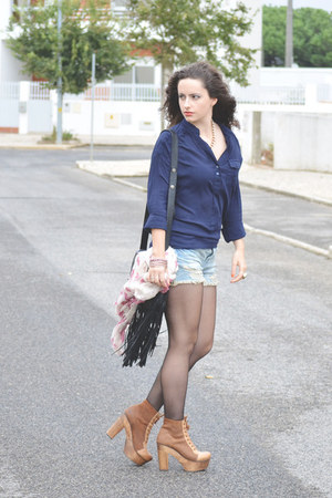 Bershka shorts - Seaside boots - Primark scarf - pull&bear bag - Bershka blouse