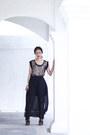 Black-uniqlo-skirt