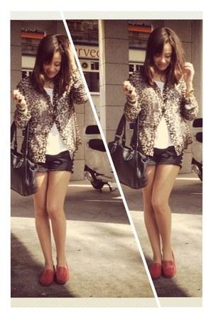 leopard print sendra blouse - pull&bear shorts