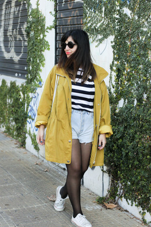 mustard thrifted vintage coat - periwinkle Levis shorts - navy Zara t-shirt
