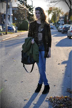 Tommy Hilfiger t-shirt - vintage coat - Mavi jeans - YSL sunglasses