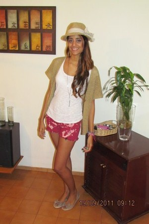 fedora hat - shirt - shorts - peep toe flats - vintage vest
