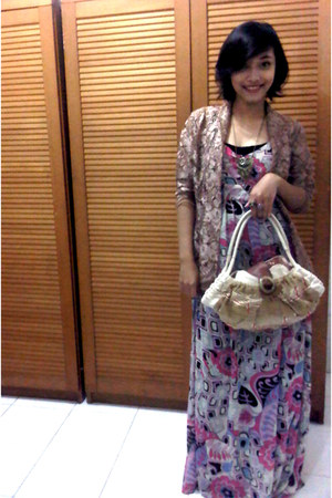 maxi dress no brand dress - camel Kakatoo bag - light brown brokat kebaya top