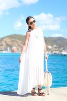 31 Bits necklace - She Inside dress - Forever 21 bag - Ray Ban sunglasses