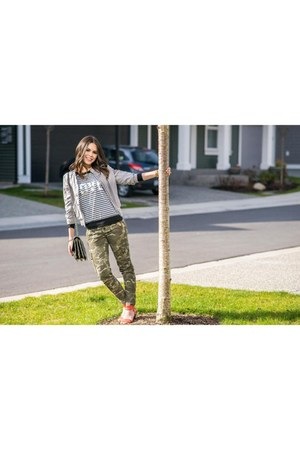 Lofty Living sweatshirt - H&M jacket - Chanel bag - Nine West sandals